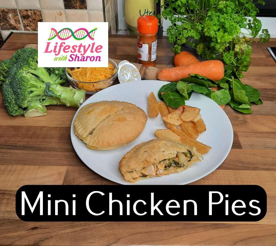 individual mini chicken pie with vegetables